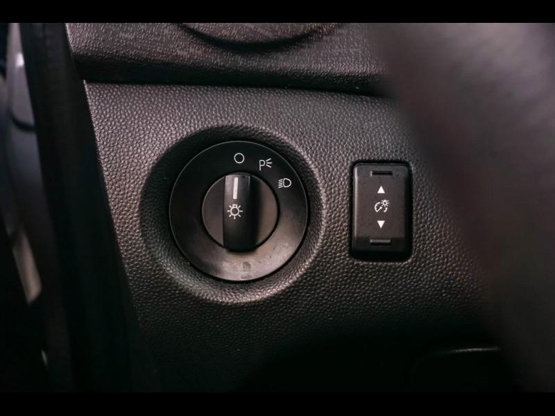 Ford Fiesta 2013 price $4,980