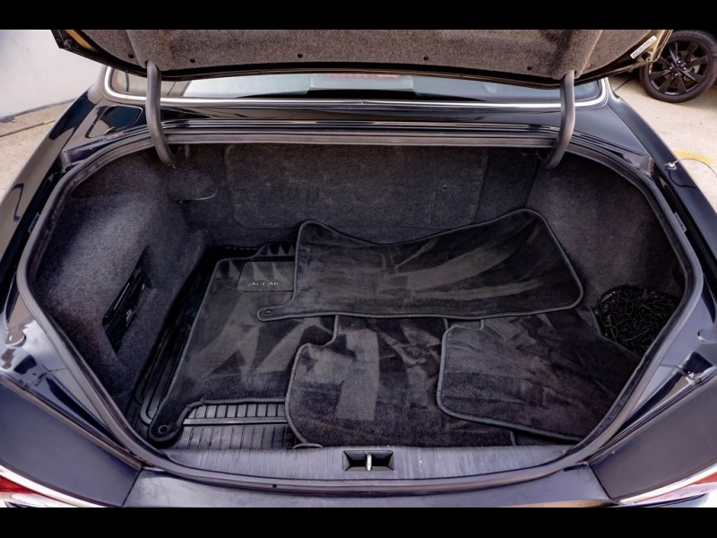 Jaguar XJ8 2000 price $9,990