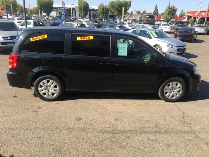 Dodge Grand Caravan 2016 price $12,999