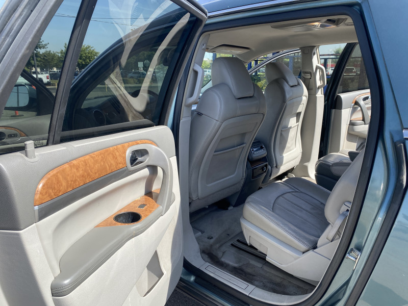 Buick Enclave 2010 price $7,499