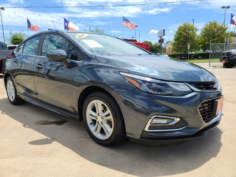 Chevrolet Cruze 2017 price $2,000