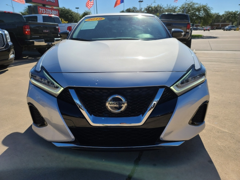 Nissan Maxima 2019 price $3,000