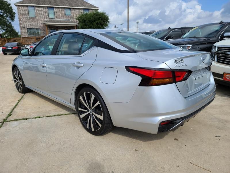 Nissan Altima 2020 price $3,300