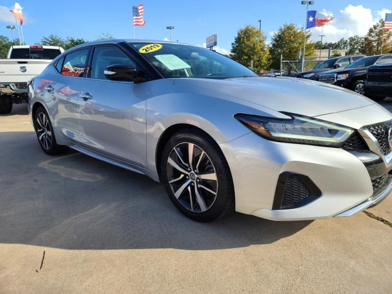 Nissan Maxima 2019 price $3,500