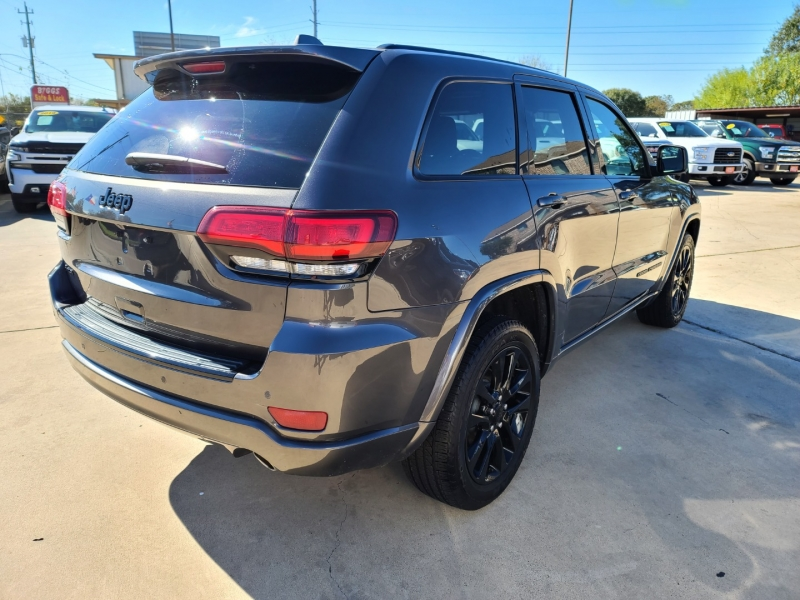 Jeep Grand Cherokee 2017 price $3,500