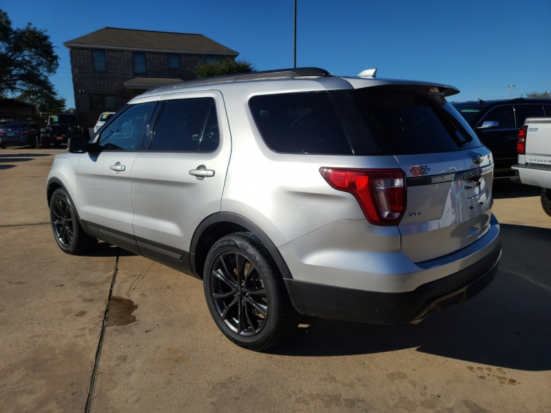 Ford Explorer 2017 price $4,000