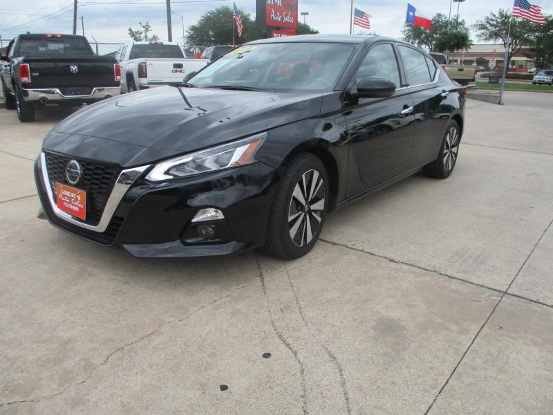Nissan Altima 2019 price $3,495