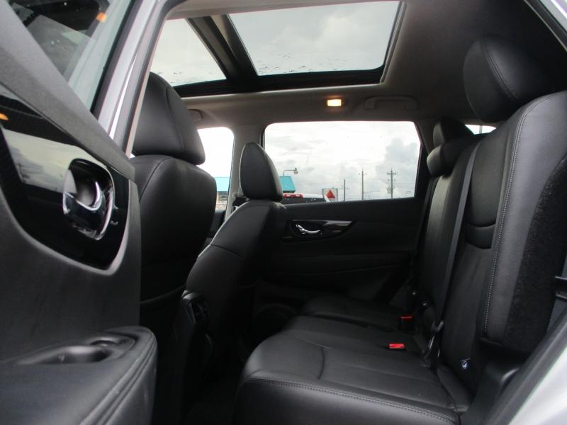 Nissan Rogue 2019 price $3,495