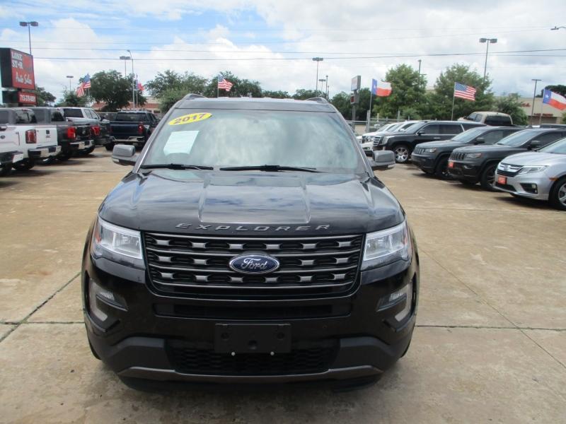 Ford Explorer 2017 price $3,795