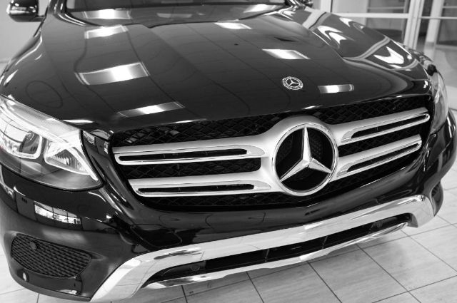 Mercedes-Benz GLC 2019 price $37,985