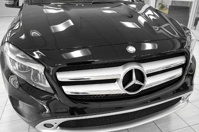 Mercedes-Benz GLA 2016 price $24,985