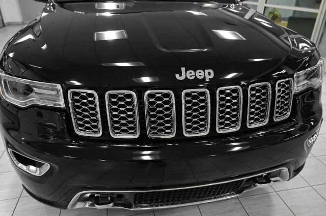Jeep Grand Cherokee 2017 price $29,985