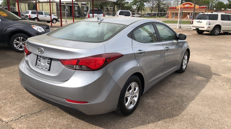 Hyundai Elantra 2015 price Call for price