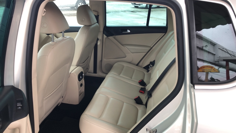 Volkswagen Tiguan 2012 price CAll for price