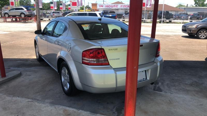 Dodge Avenger 2010 price Call for price