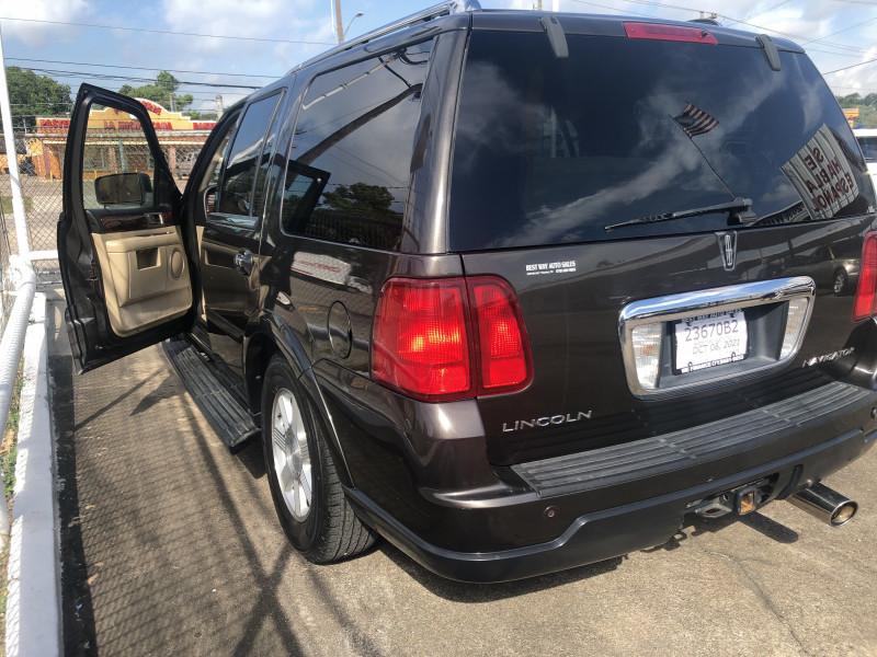 Lincoln Navigator 2006 price Call for price