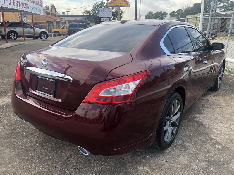 Nissan Maxima 2011 price Call for price
