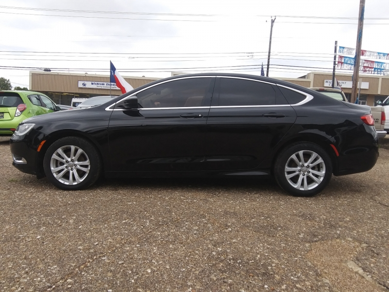 Chrysler 200 2015 price $8,995
