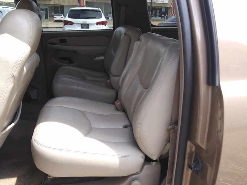 GMC Yukon XL 2003 price $2,495