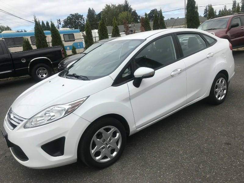 Ford Fiesta 2013 price $4,795