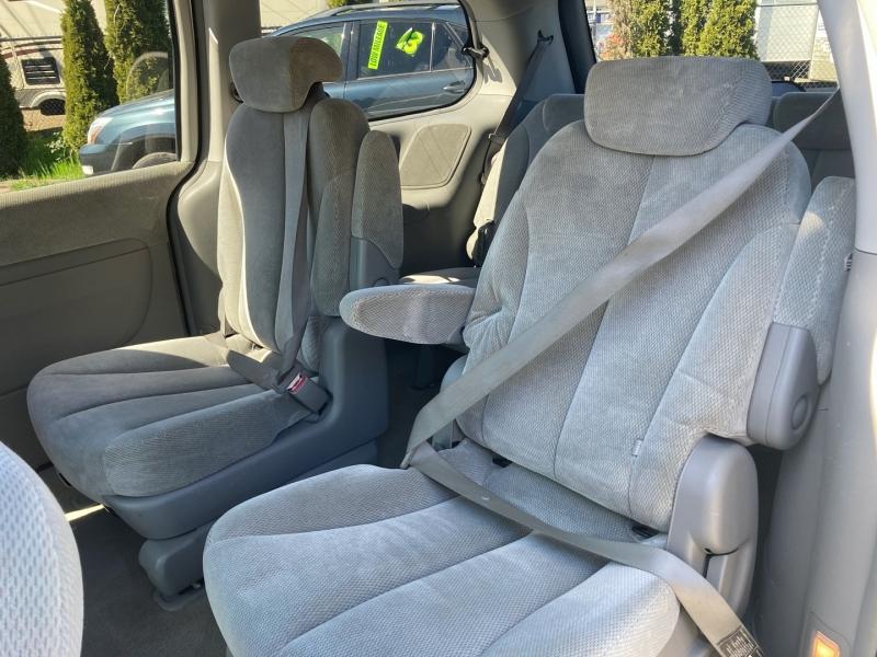 Kia Sedona 2006 price $4,995
