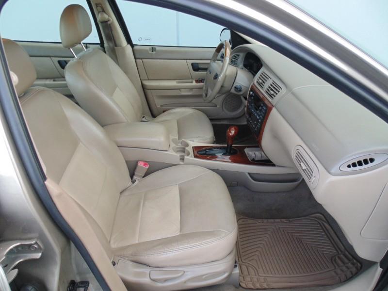 Ford Taurus 2003 price $2,500
