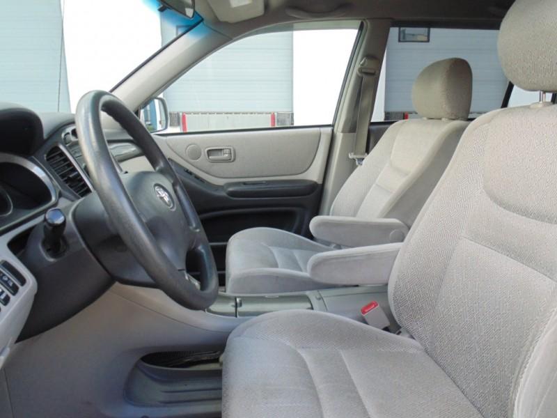 Toyota Highlander 2003 price $5,995