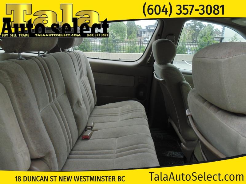 Toyota Sienna 2000 price $1,650