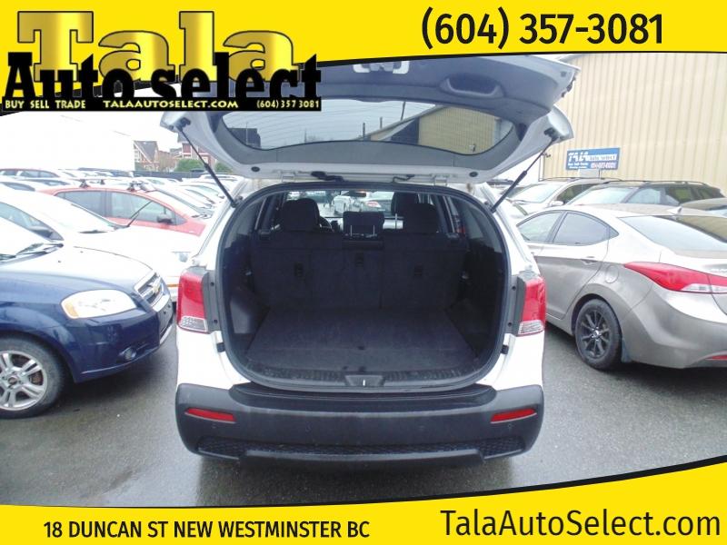 Kia Sorento 2011 price $6,888