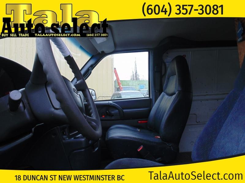 Chevrolet Astro 2003 price $2,995