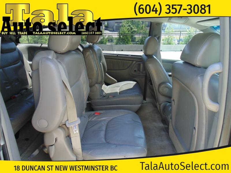 Toyota Sienna 2005 price $5,995