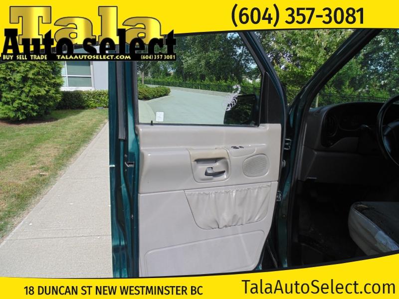 Ford Econoline Cargo Van 2001 price $3,888