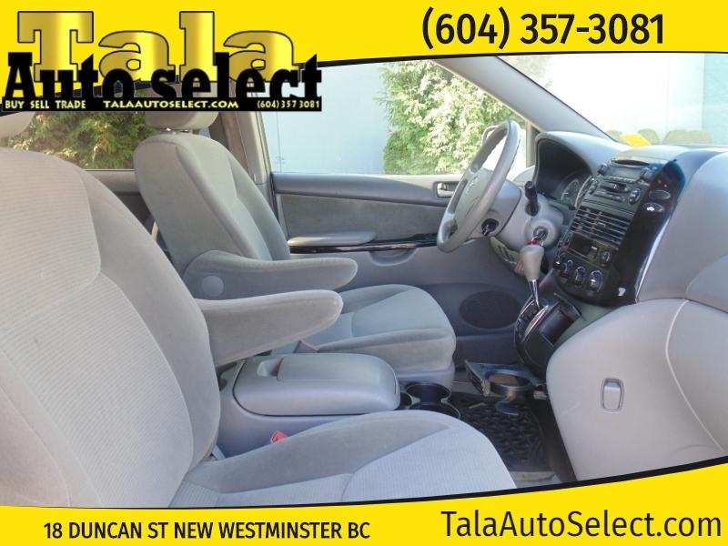 Toyota Sienna 2005 price $4,888
