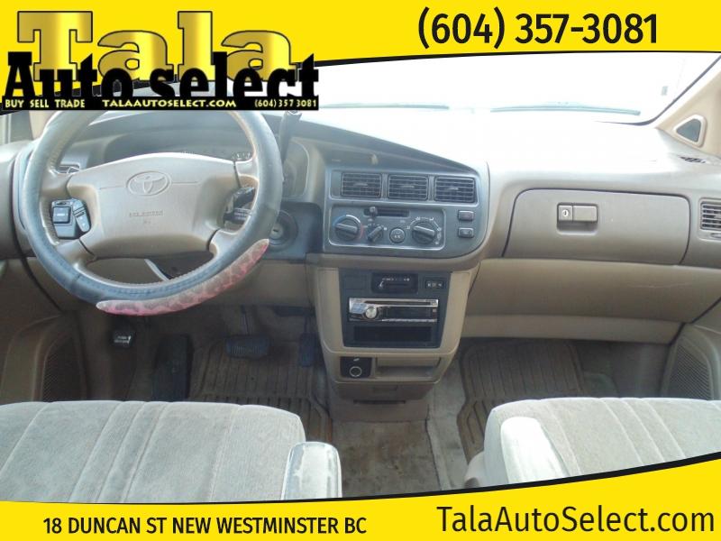 Toyota Sienna 1999 price $1,888