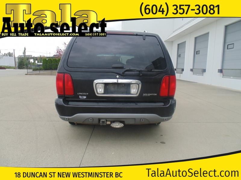 Lincoln Navigator 2000 price $5,995