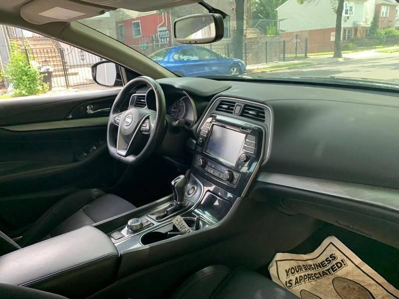 Nissan Maxima 2016 price $999