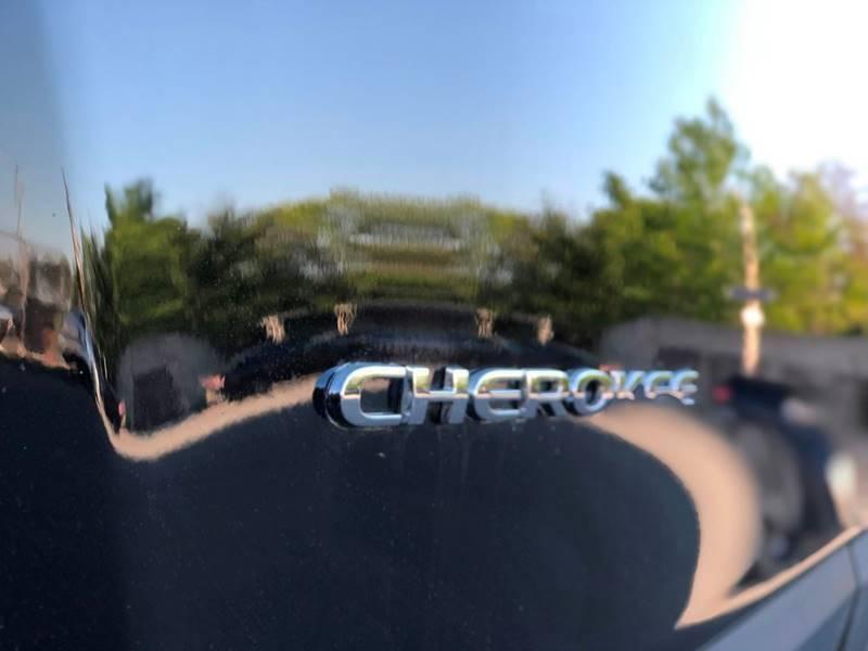 Jeep Cherokee 2019 price $499