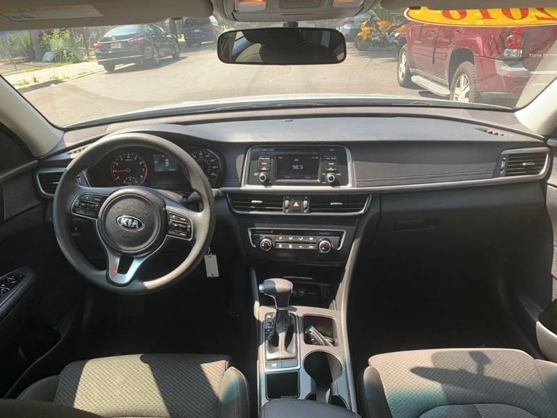 Kia Optima 2016 price $999