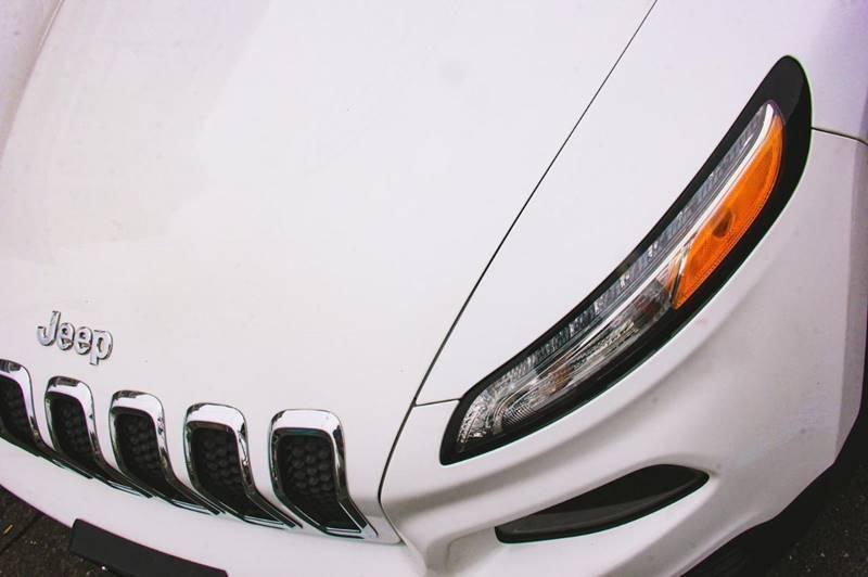 Jeep Cherokee 2015 price $999