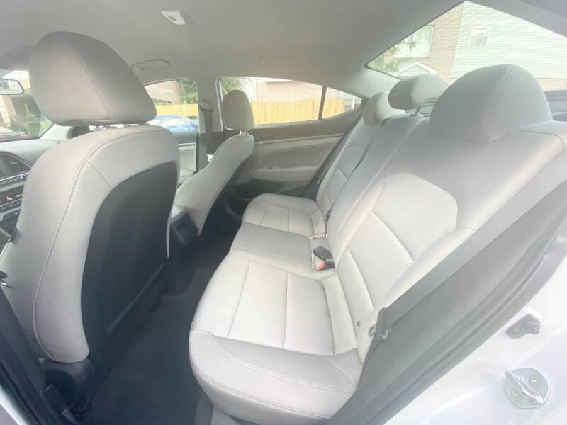 Hyundai Elantra 2017 price $499