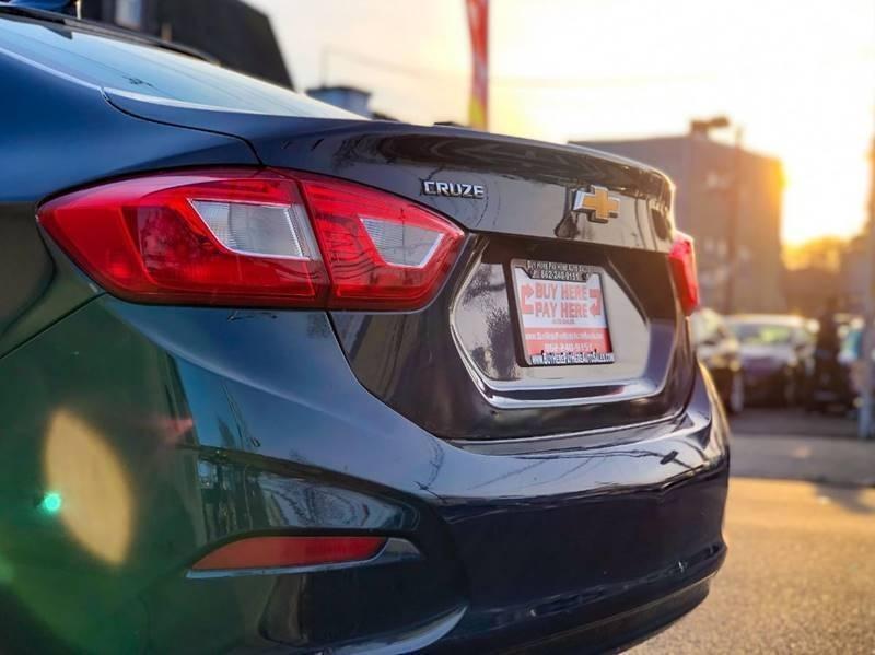 Chevrolet Cruze 2016 price $500