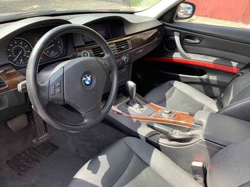 BMW 3 Series 2011 price $500