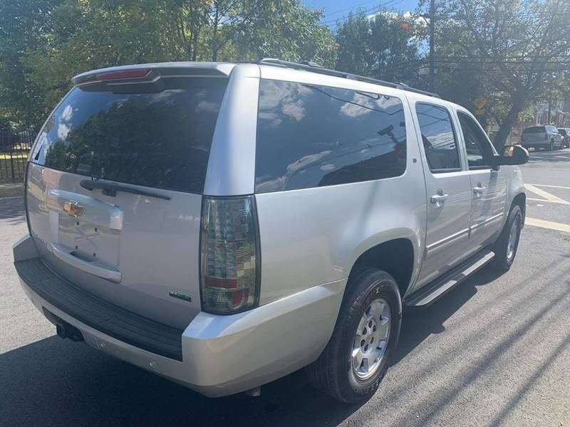 Chevrolet Suburban 2011 price $500