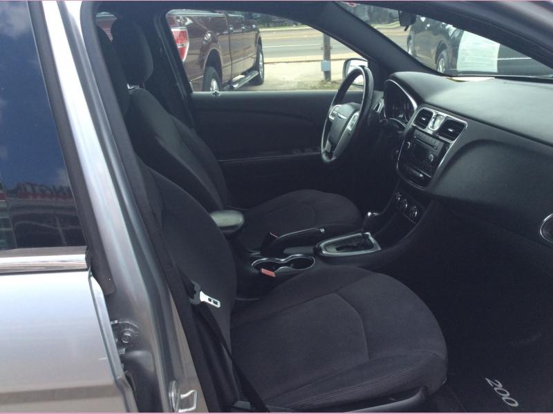 Chrysler 200 2014 price 1200down