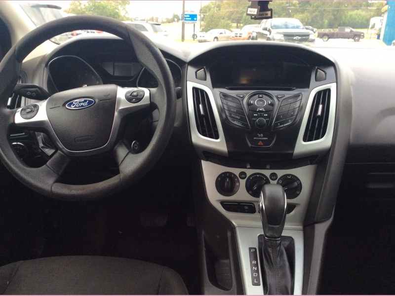 Ford Focus 2012 price 3900 Cash