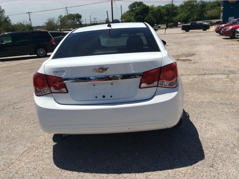 Chevrolet Cruze 2013 price 1800down