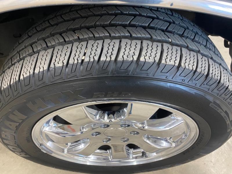Toyota Tundra 2006 price $10,900
