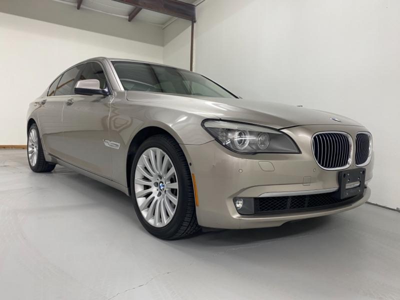 BMW 7-Series 2012 price $17,900