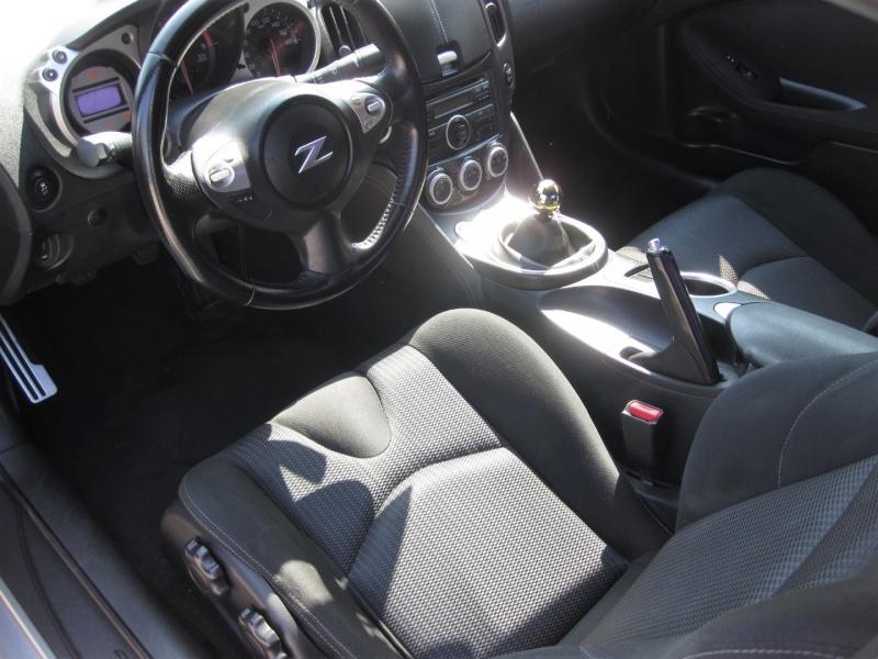Nissan 370 Z 2011 price $17,999