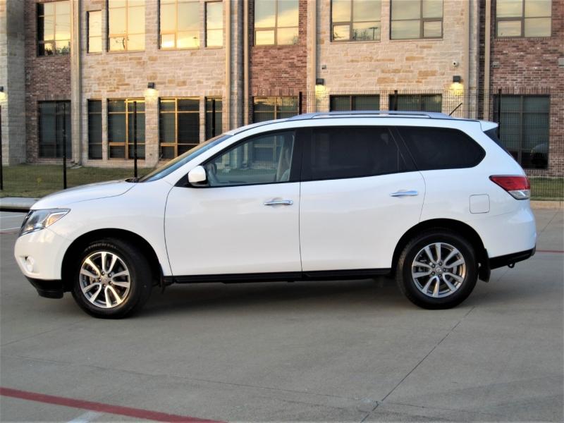 Nissan Pathfinder 2015 price $13,999